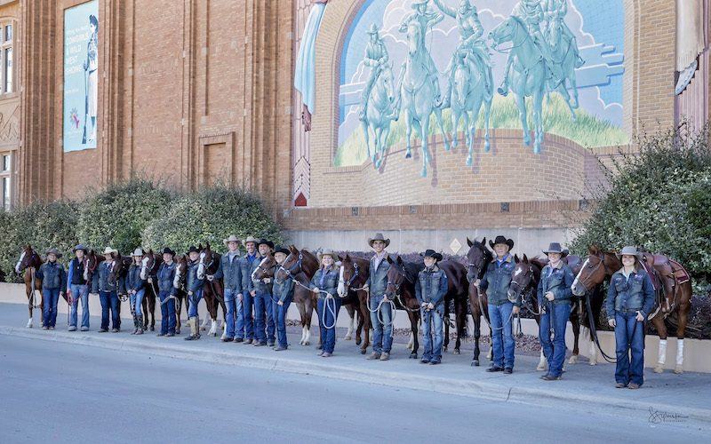 Mike Wood Performance Horse's team photo at the 2018 NCHA World Finals